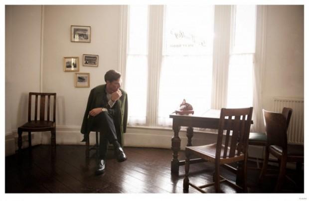 Benedict-Cumberbatch-Flaunt-Photo-Shoot-006-800x523