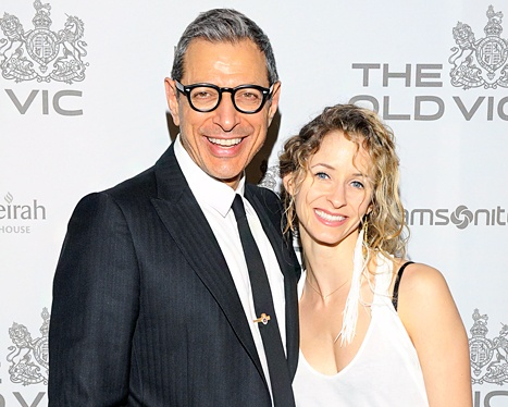 1415645872_137621270_jeff-goldblum-emilie-livingston-467