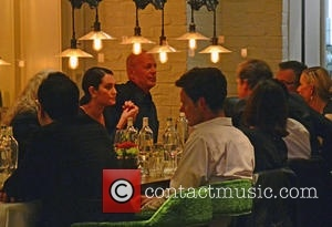 celebrities-at-grace-bar-and_4719053
