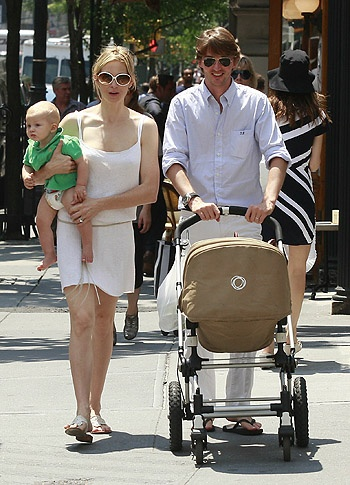 EXCLUSIVE: Kelly Rutherford out with her family in NYC