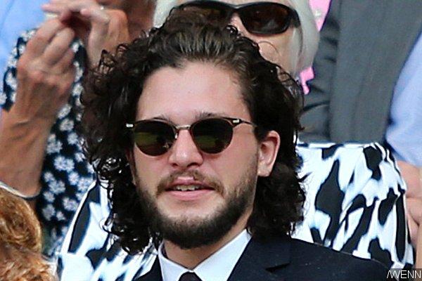 kit-harington-s-long-hair-sparks-rumors-of-his-game-of-thrones-return (1)