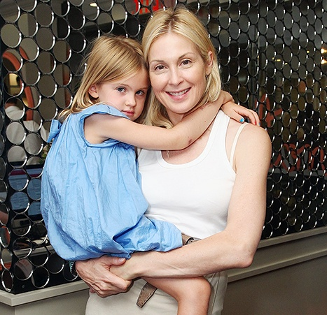 1444309663_kelly-rutherford-daughter-helena-lg