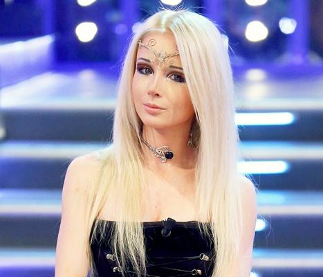 1446153453_462633044_human-barbie-valeria-lukyanova-467