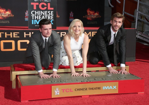 Hunger-Games-Handprint-Ceremony-LA-Pictures