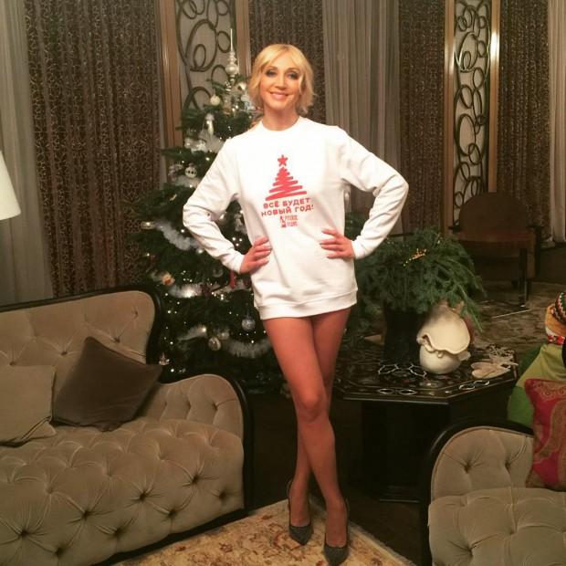 Кристина Орбакайте забыла надеть юбку