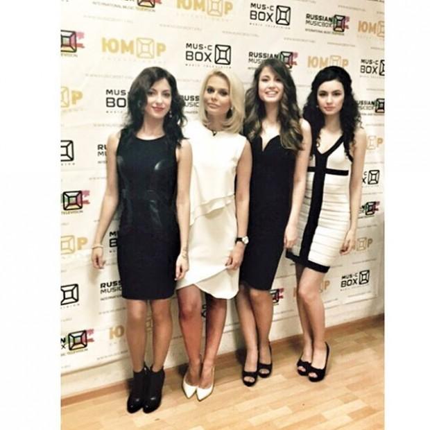 Ксения Новикова создала новую девчачью группу