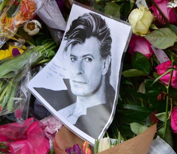 Дэвид Боуи был кремирован в США
