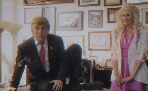 Джонни Депп примерил парик Дональда Трампа