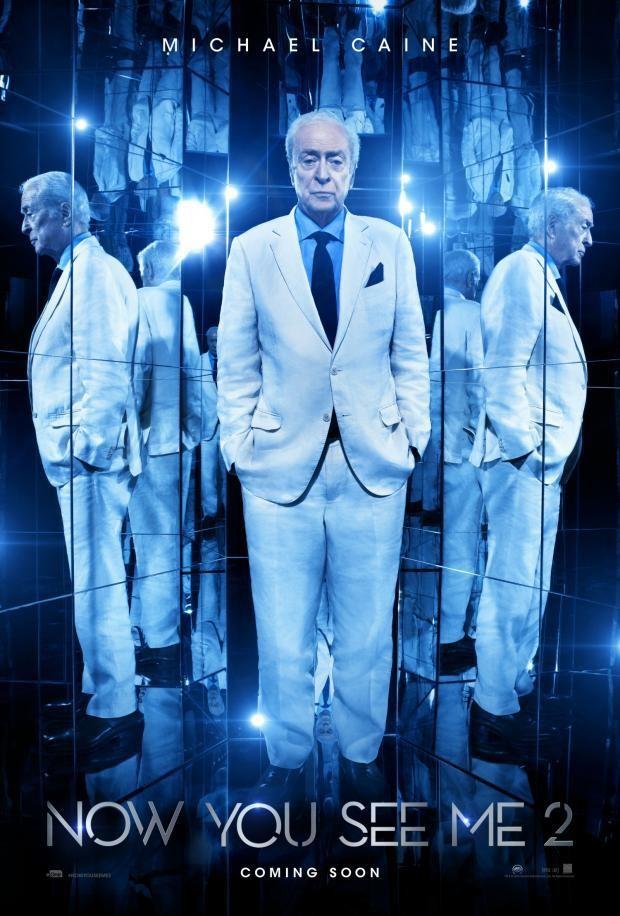 Джесси Айзенберг, Дэниэл Рэдклифф, Вуди Харрельсон и другие на первых постерах «Иллюзии обмана 2»