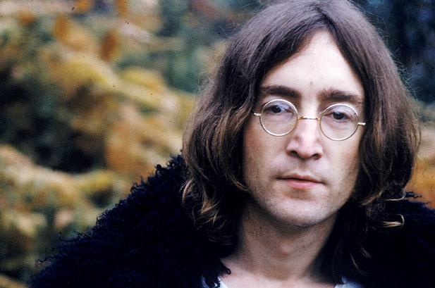Волосы Леннона ушли с молотка