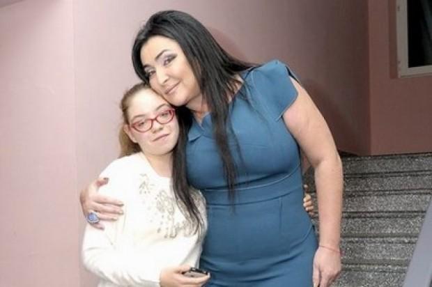 Лолита с дочкой