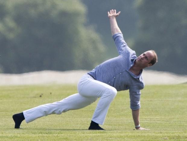 prince-william-yoga-1-db65fd15-3a37-4ff4-844e-2cba7956f271