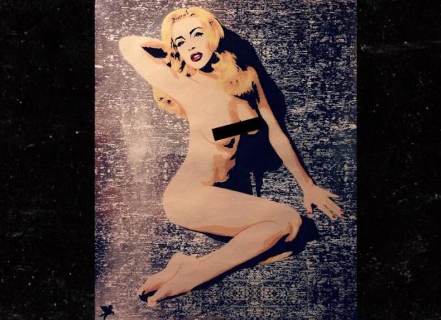 0726-lindsay-lohan-pegasus-street-art-naked-4
