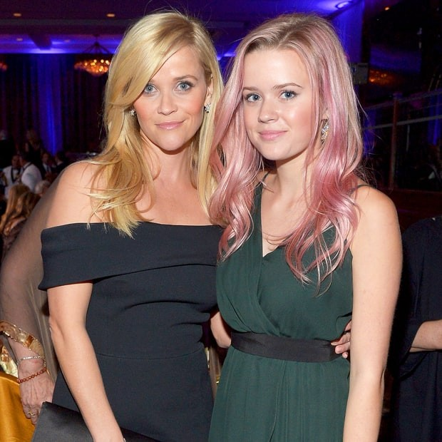 495029482_reese-witherspoon-ava-phillippe-zoom-1b345fa3-5bb8-4fba-9ec2-36e26bf441ed