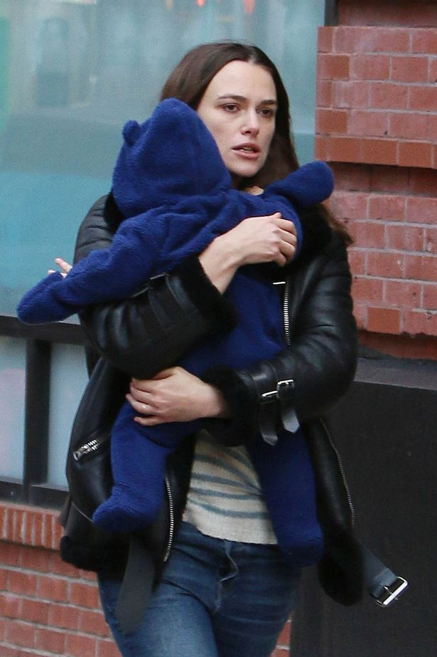 Keira-Knightley-with-daughter-Edie