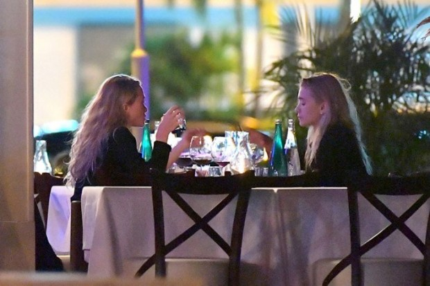 AG_160974 - ** RESTRICTIONS: ONLY UNITED STATES, BRAZIL, CANADA ** Saint Barthélemy, FRANCE  - **SHOT ON 01/05/17** Saint Barthélemy, France - Mary Kate and Ashley Olsen enjoy a romantic dinner with their significant others, Olivier Sarkozy and Richard Sachs. The foursome seem to be enjoying themselves, with Ashley even laying some kisses on Richard. **SHOT ON 01/05/17** AKM-GSI 6 JANUARY 2017 To License These Photos, Please Contact :  Maria Buda  (917) 242-1505  mbuda@akmgsi.com or Mark Satter  (317) 691-9592  msatter@akmgsi.com  sales@akmgsi.com