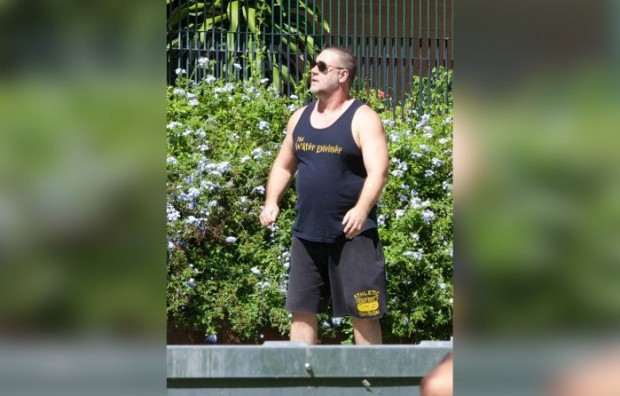 *EXCLUSIVE* Russell Crowe sports larger figure in Sydney