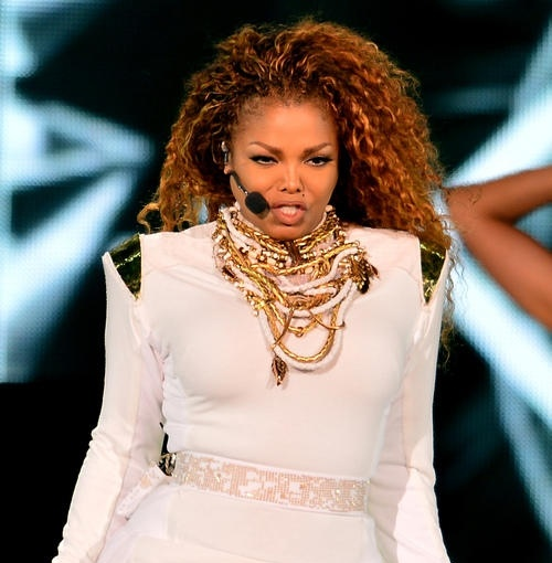janet-jackson-performs-live-at_4932958