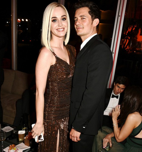 BEVERLY HILLS, CA - FEBRUARY 26: Singer Katy Perry (L) and actor Orlando Bloom attend the 2017 Vanity Fair Oscar Party hosted by Graydon Carter at Wallis Annenberg Center for the Performing Arts on February 26, 2017 in Beverly Hills, California.  (Photo by Dave M. Benett/VF17/WireImage)