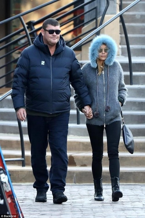 4777C40700000578-5201379-Vision_of_love_James_Packer_stepped_out_with_his_rumoured_girlfr-a-38_1513861578063[1]