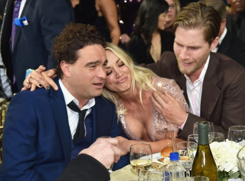 Pictured-Johnny-Galecki-Kaley-Cuoco-Karl-Cook[1]