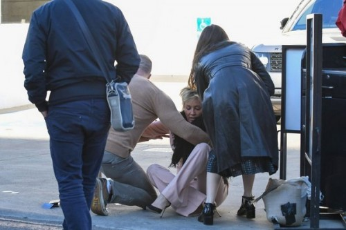 *PREMIUM-EXCLUSIVE* Sharon Stone takes a bad spill in her stilettos after lunch with friends