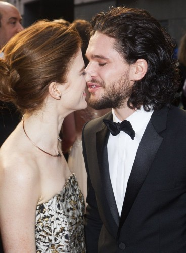 rs_754x1024-160403145427-634.Rose-Leslie-Kit-Harington-Olivier-Awards-tt-040216