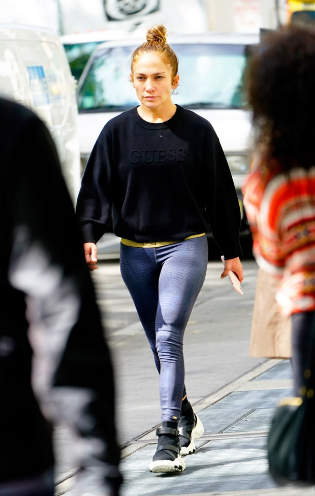 Jennifer Lopez goes makeup free when walking around in New York Pictured: Jennifer Lopez Ref: SPL5120363 041019 NON-EXCLUSIVE Picture by: Jackson Lee / SplashNews.com Splash News and Pictures Los Angeles: 310-821-2666 New York: 212-619-2666 London: +44 (0)20 7644 7656 Berlin: +49 175 3764 166 photodesk@splashnews.com World Rights, No Portugal Rights