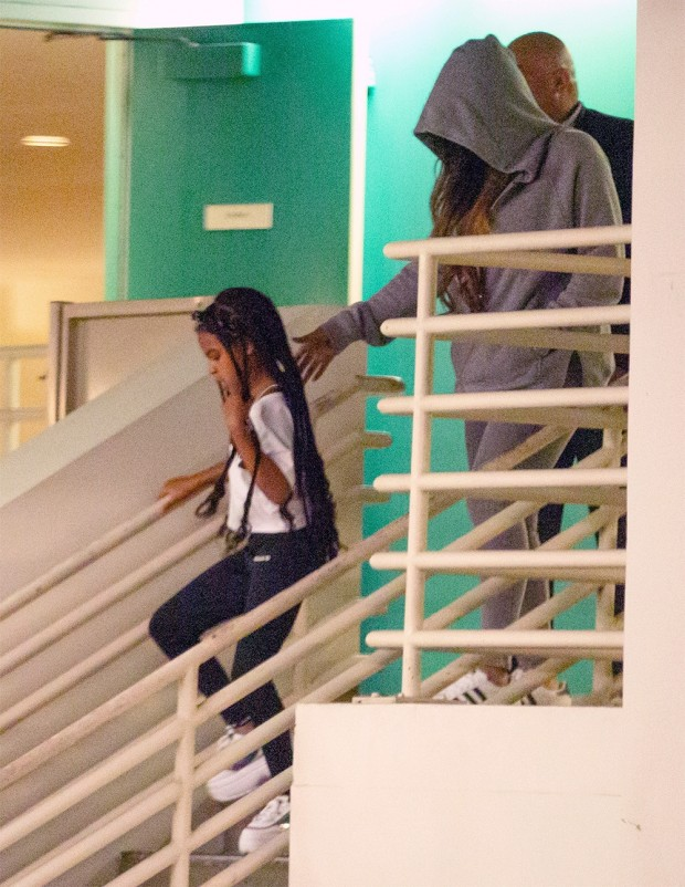 Beverly Hills, CA  - *EXCLUSIVE*  - Singer Beyonce Knowles is seen slipping out a back exit after shopping with her daughter Blue Ivy at Barneys New York in Beverly Hills.  Blue Ivy sported super long braids for the outing and held on to the rail so as not to slip in her clunky platform sneakers while mom kept it casual in sweats with her hoodie pulled up. *Shot on October 14, 2019* Pictured: Beyonce Knowles, Blue Ivy BACKGRID USA 14 OCTOBER 2019  USA: +1 310 798 9111 / usasales@backgrid.com UK: +44 208 344 2007 / uksales@backgrid.com *UK Clients - Pictures Containing Children Please Pixelate Face Prior To Publication*