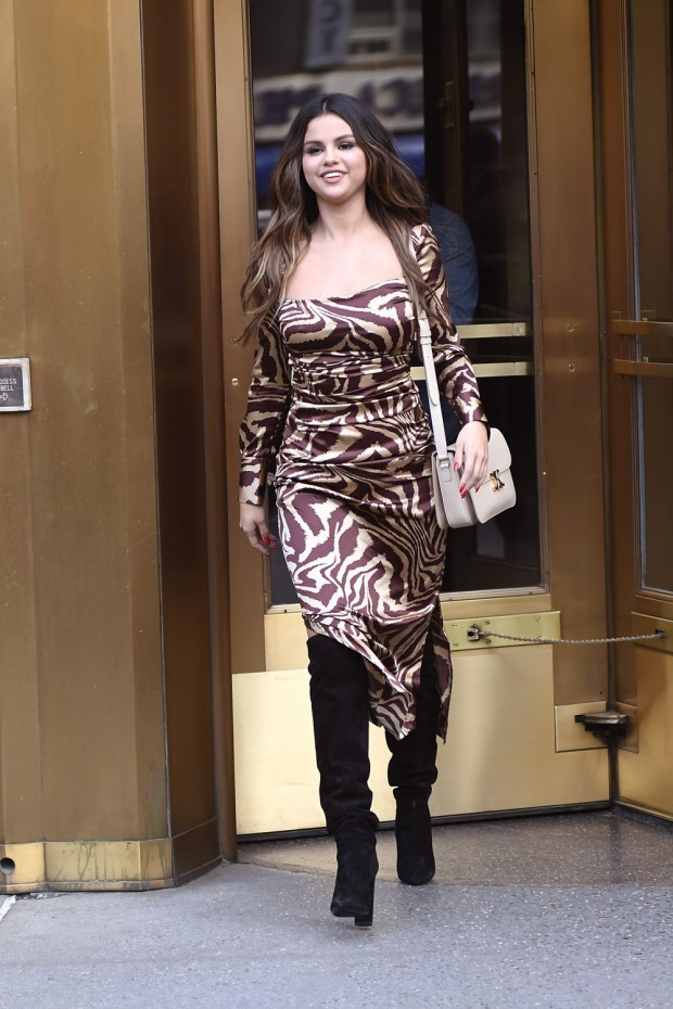 Selena Gomez is seen leaving Z100 Radio station greeting fans while promoting her new movie in New York City. Pictured: Selena Gomez Ref: SPL5124848 281019 NON-EXCLUSIVE Picture by: Elder Ordonez / SplashNews.com Splash News and Pictures Los Angeles: 310-821-2666 New York: 212-619-2666 London: +44 (0)20 7644 7656 Berlin: +49 175 3764 166 photodesk@splashnews.com World Rights, No Portugal Rights
