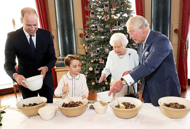 Christmas at Buckingham Palace, London, UK - 18 Dec 2019