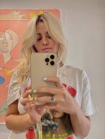 Колористы Селены гомес раскрыли тайну: сколько ушло часов на то, чтобы сделать из певицы блондинку - 2