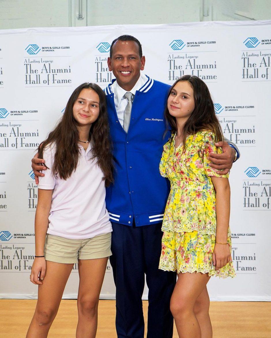 Алекс Родригес на свидании с двумя очаровательными девушками - 3