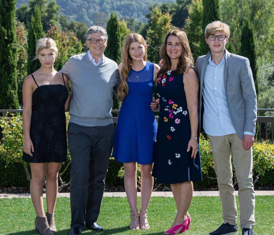 Мелинда Гейтс празднует День Матери вместе с 3-мя детьми на острове - 2