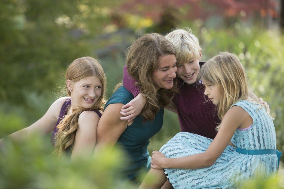 Мелинда Гейтс празднует День Матери вместе с 3-мя детьми на острове - 1