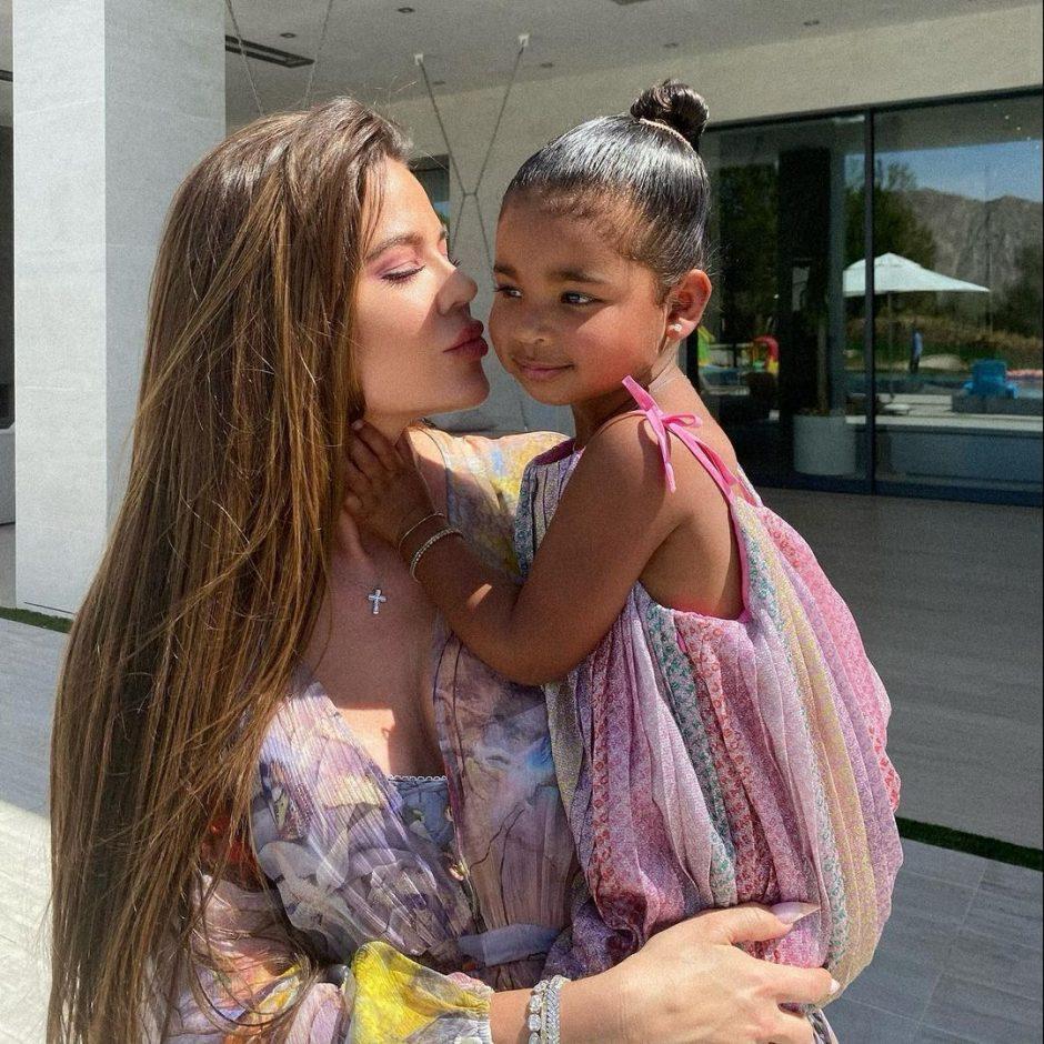 Хлои Кардашьян официально заявила, что воспользуется услугами суррогатного материнства - 2