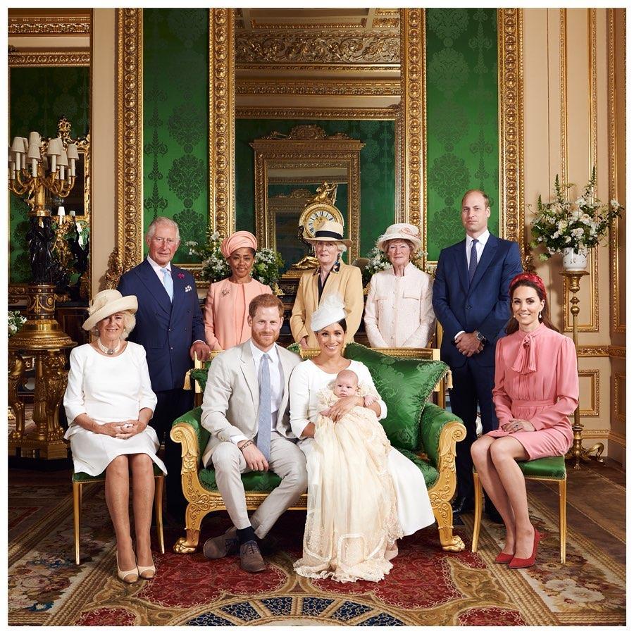 Принц Гарри: в королевской семье не принято было говорить о проблемах с ментальным здоровьем - 1
