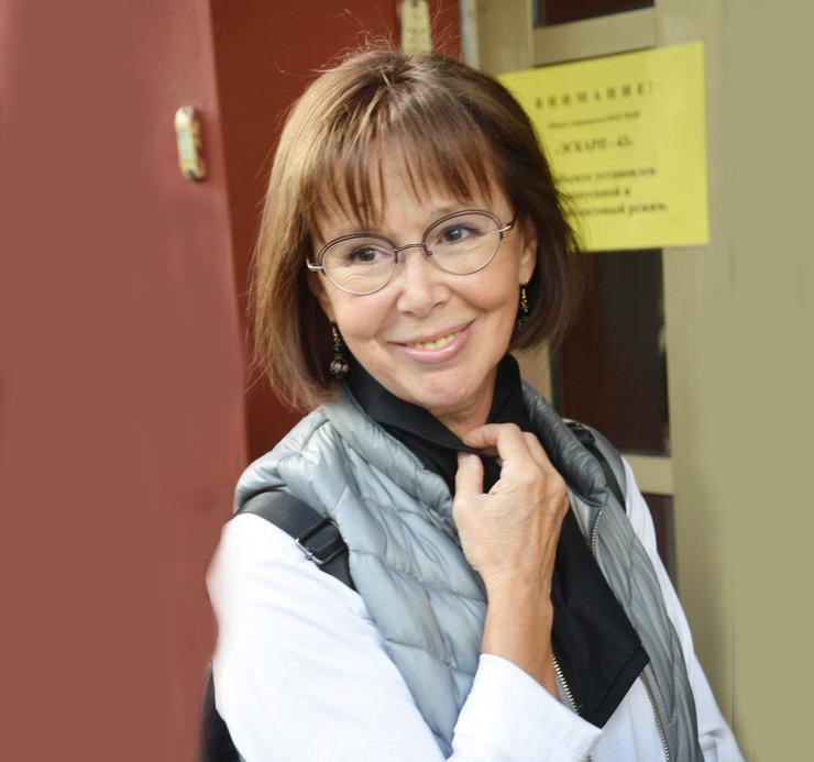 Актриса Евгения Симонова сегодня отмечает 66-й день рождения - 1