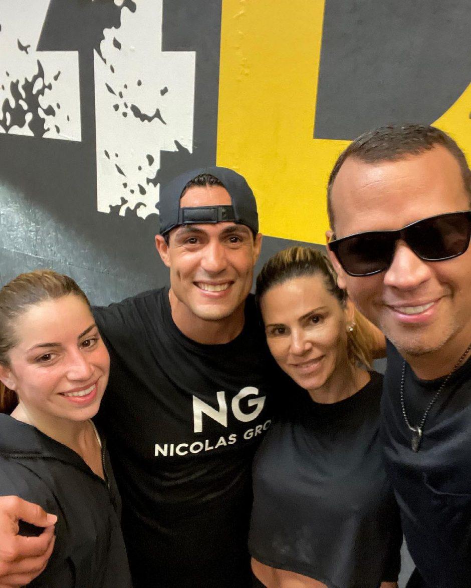 Алекс Родригес на тренировке со своей бывшей женой Синтией Скертис - 2