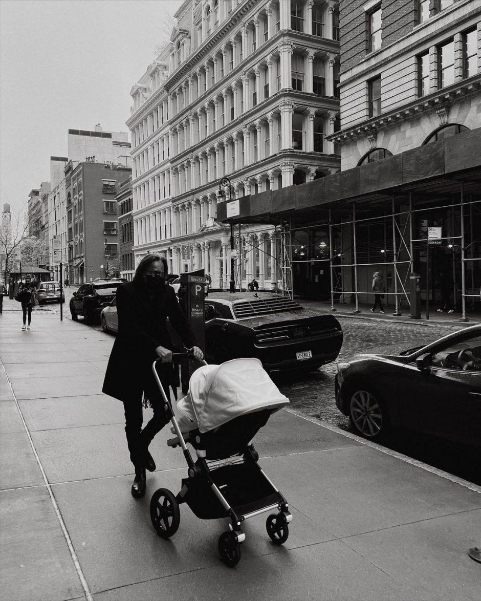 Джиджи Хадид случайно опубликовала фото дочери в истории Instagram - 1