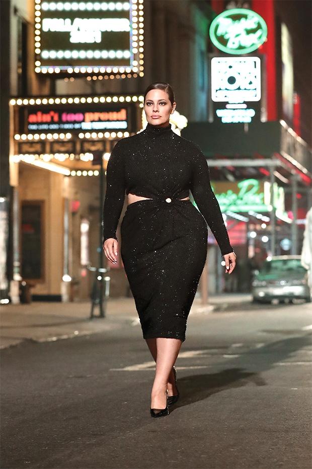 Беременная Эшли Грэм на улицах Нью-Йорка для рекламной кампании Michael Kors - 2