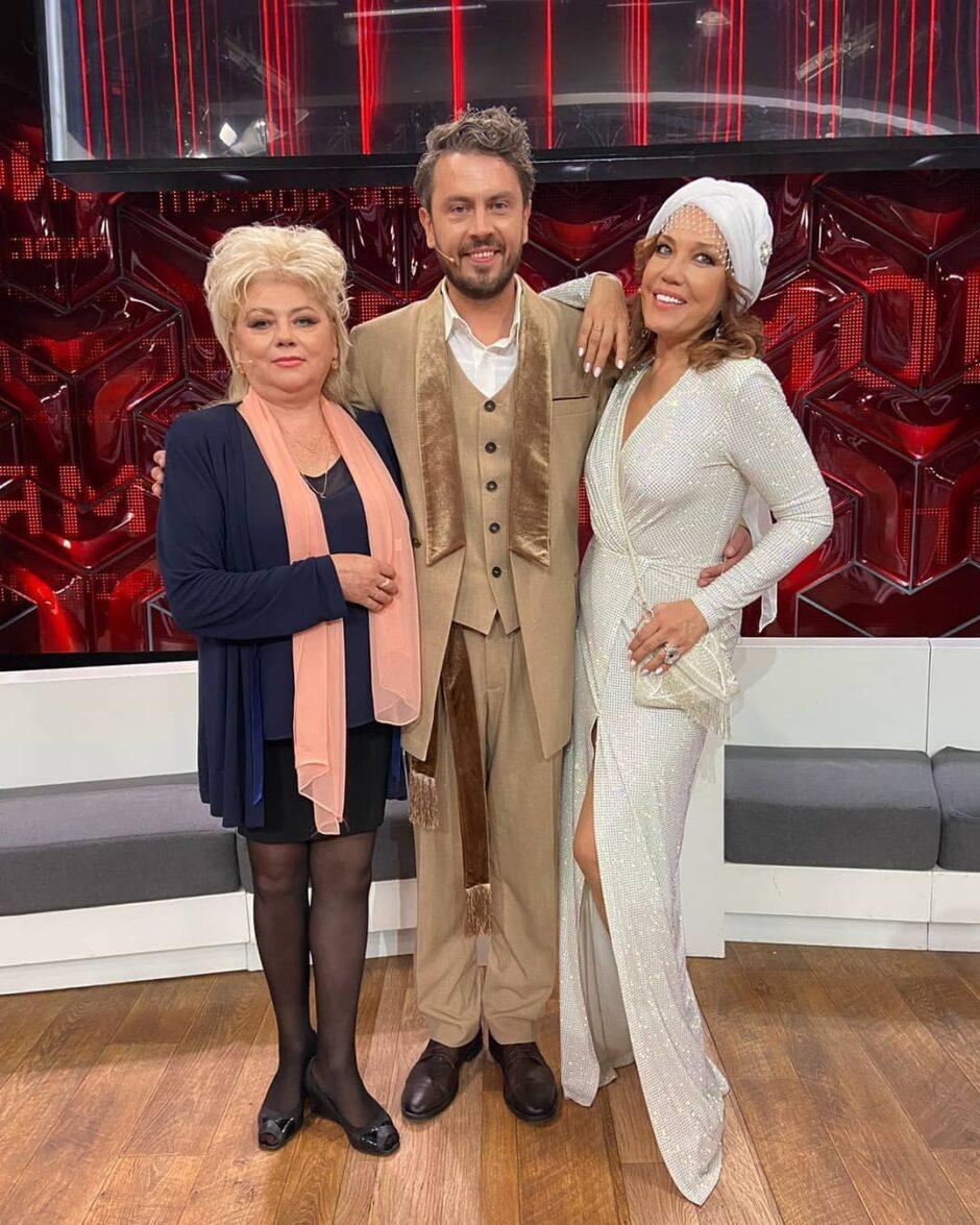57-летняя певица Азиза на днях впервые вышла замуж! - 2