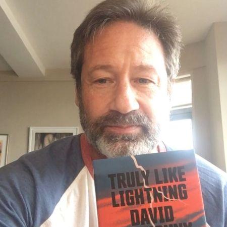 Дэвид Духовны поведал историю о том, как его хотели втянуть в секту сайентологии - 1