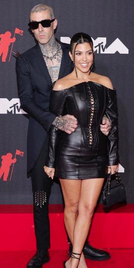 На сцене MTV Music Video Меган Фокс и Кортни Кардашьян назвали своих бойфрендов – будущими папочками! - 2