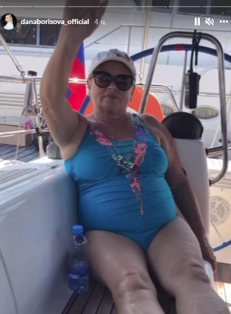 Маму Даны Борисовой экстренно госпитализировали с диагнозом COVID-19 - 2