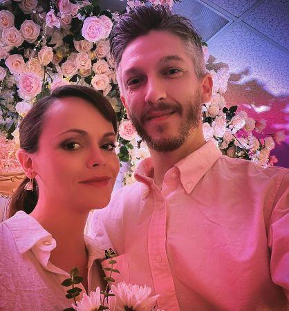 На последнем месяце беременности Кристина Риччи все таки вышла замуж - 3
