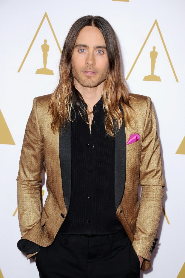 Jared-Leto-got-Oscars-spirit-gold-jacket