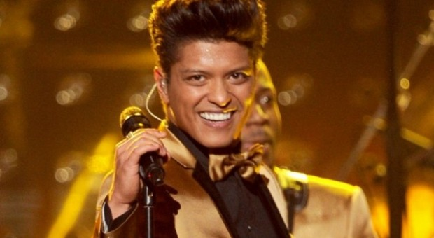 Grammys-2012-Bruno-Mars-Puts-on-Incendiary-Show-637x350