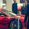 Адам Левин покупает Ferrari в подарок своей беременной жене