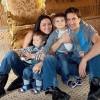 Дети Григория Антипенко и Юлии Такшиной рыбачат и доят корову в Черногории